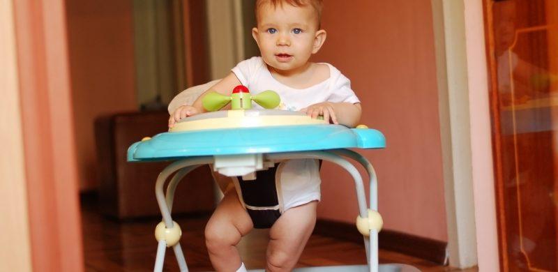 trotteur bebe apprendre a marcher