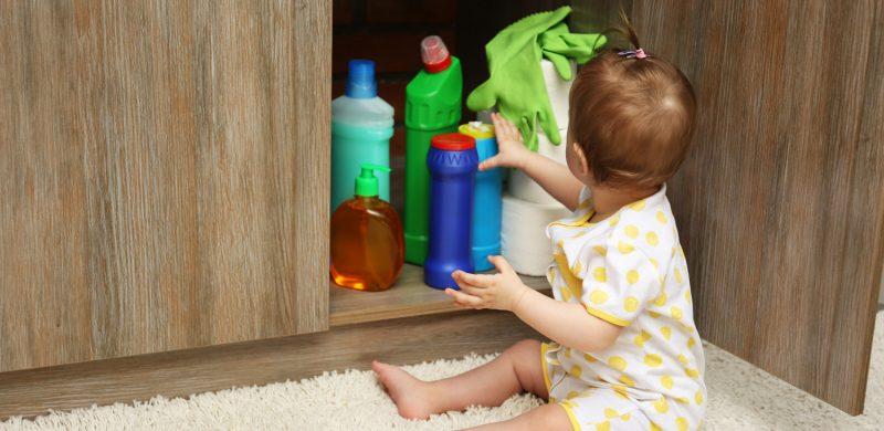 ingestion pile bouton produit ménager enfant